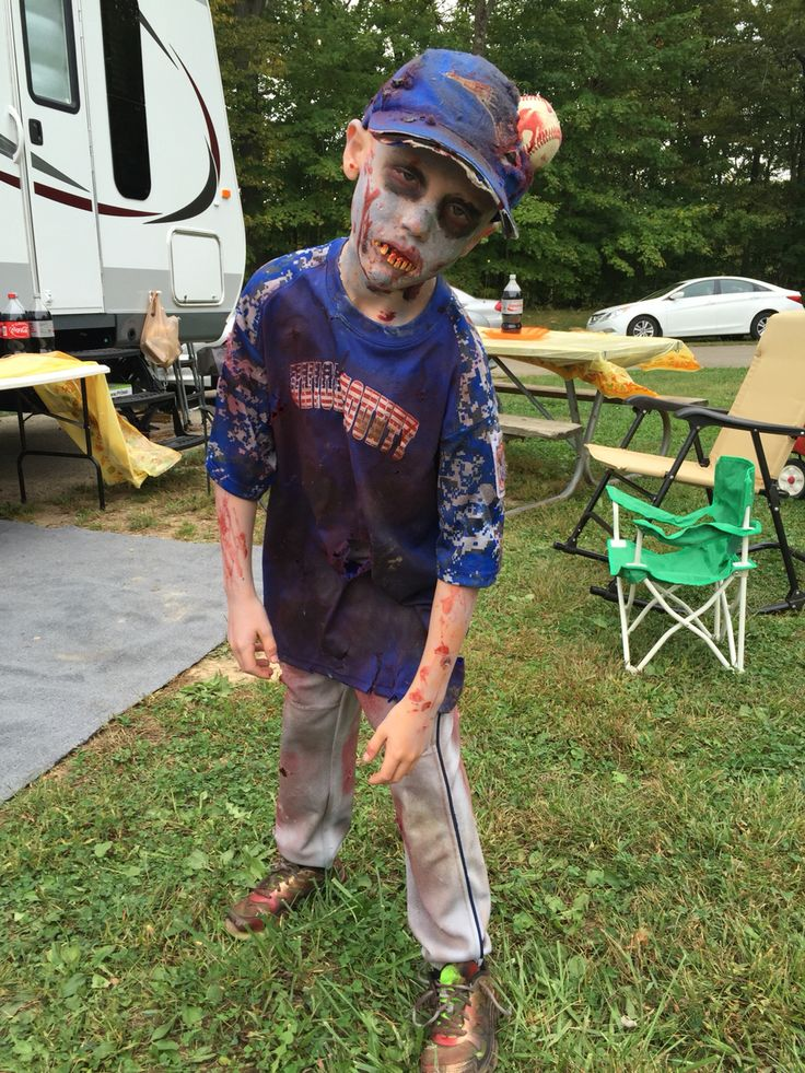 Zombie Baseball Player In 2019 Zombie Halloween Costumes