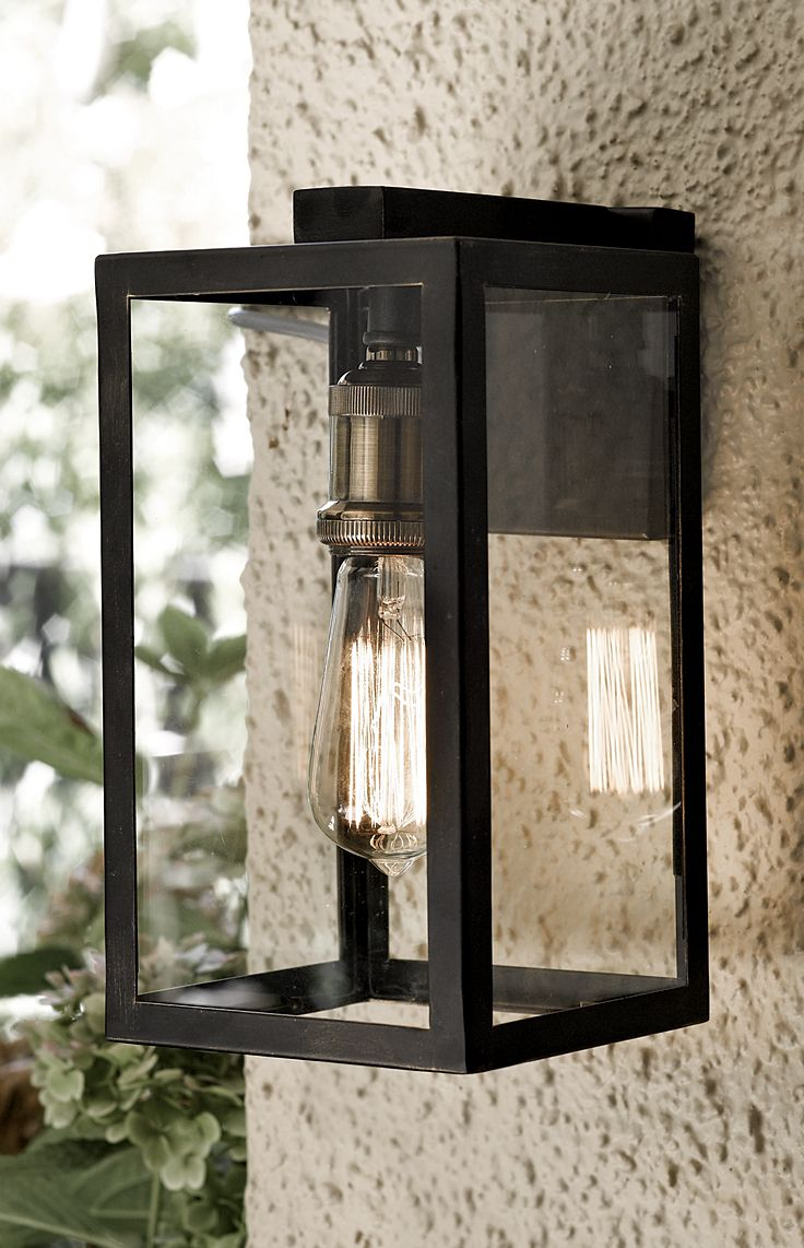 The Beacon Lighting Southampton range offers a classic styling with hints of the Americas. This range would suit traditional and Industrial Country homes.