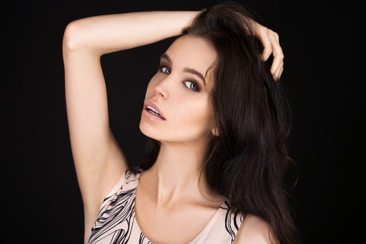 Face, beauty makeup. model Maryana Dan, St. petersburg, Russia