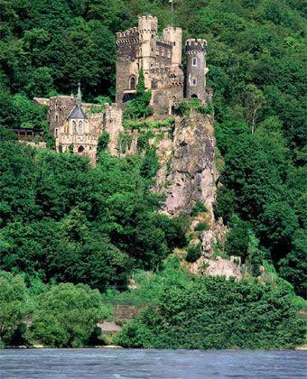 Rheinstein Castle, Rhine River, Germany My dream vaca... Cruise on the Rhine…