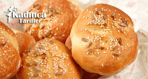 Yumuşak Mini Ekmek Tarifi nasıl yapılır? Yumuşak Mini Ekmek Tarifi'nin malzemeleri, resimli anlatımı ve yapılışı için tıklayın. Yazar: Sümeyra Temel