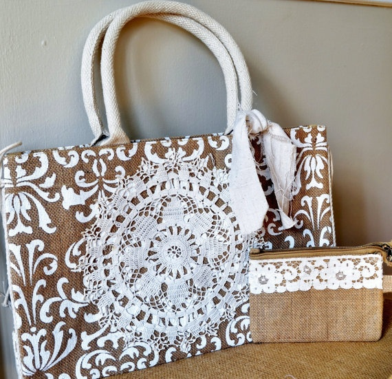 I never thought of Jute with lace. This looks awesome.Beach Ideas, Crafts Ideas, Burlap Jut Marketing, Purses Bags Luggage, Damasks Prints, Neat Ideas, Marketing Totes, Crafts Diy, Diy Projects