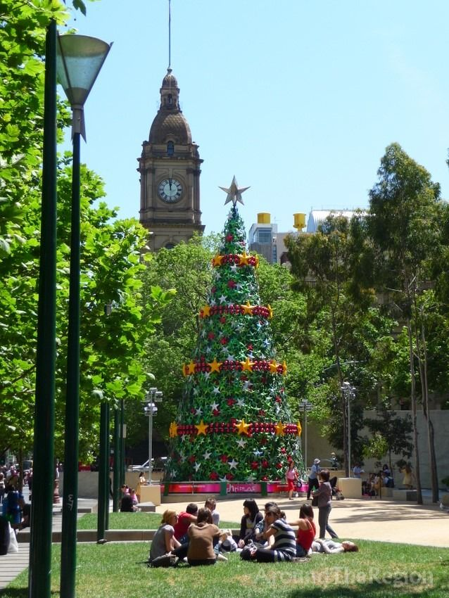 summertime Christmas in the city