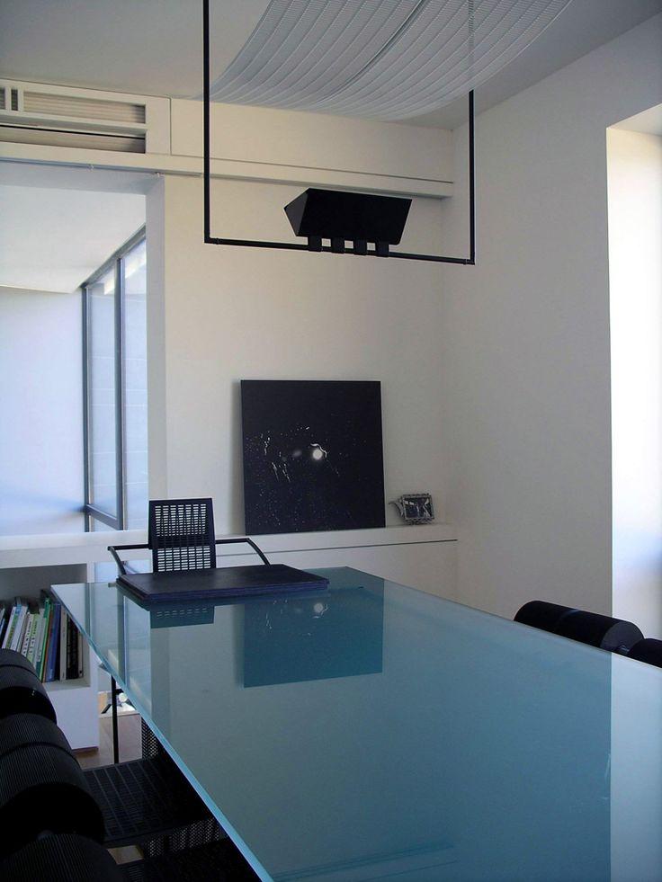 Dining room  http://www.hjlstudio.com/suip-777-residence