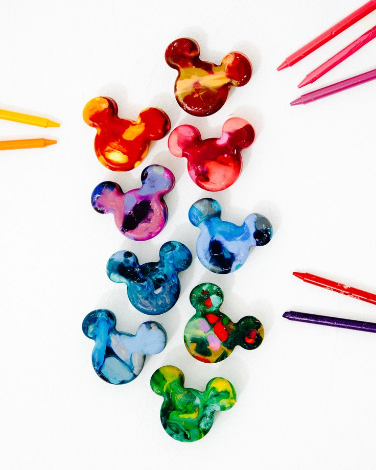Make coloring magical with cute and simple DIY Mickey Mouse crayons! | Teacher DIYs and crafts + kid's activities | [ http://family.disney.com/craft/mickey-crayons ]