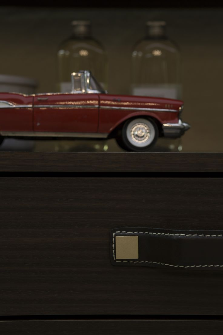 #detail #drawer #wood #leather #cabinet #interior #madeinitaly #emmebidesign #emmebi #car #elegant #sophisticated