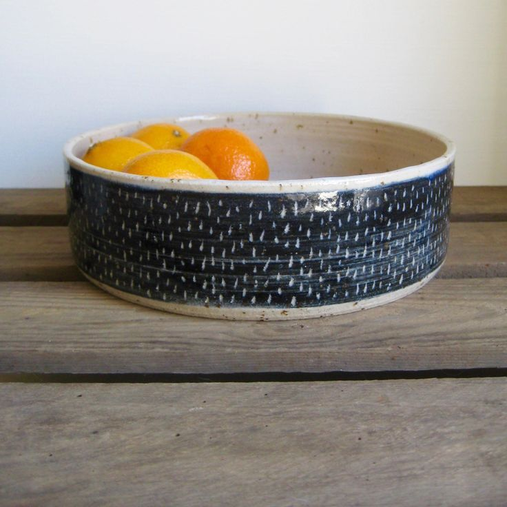 Straight sided fruit bowl. And lovely simple sgraf…