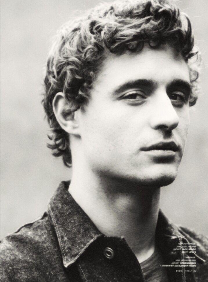 Max Irons.. King Edward.