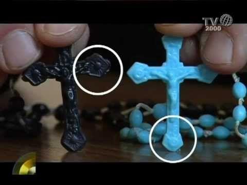 Rosari con simboli massonici distrutti. E voi credenti, che fate davanti ai simboli massonici presenti nella vostra comunità?  ------------> Sapete perchè condivido questo video realizzato da ca...