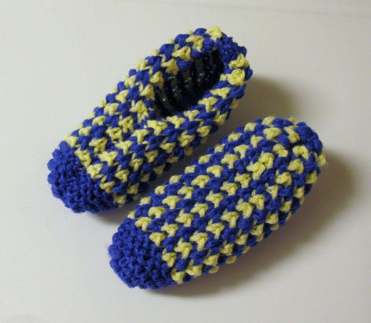 Voici un motif très agréable à faire ! J'aime beaucoup la texture du tricot et l'effet des deux couleurs ! Version imprimable Fournitures : Phentex ou laine acrylique pâle (P) Phentex ou laine acry...
