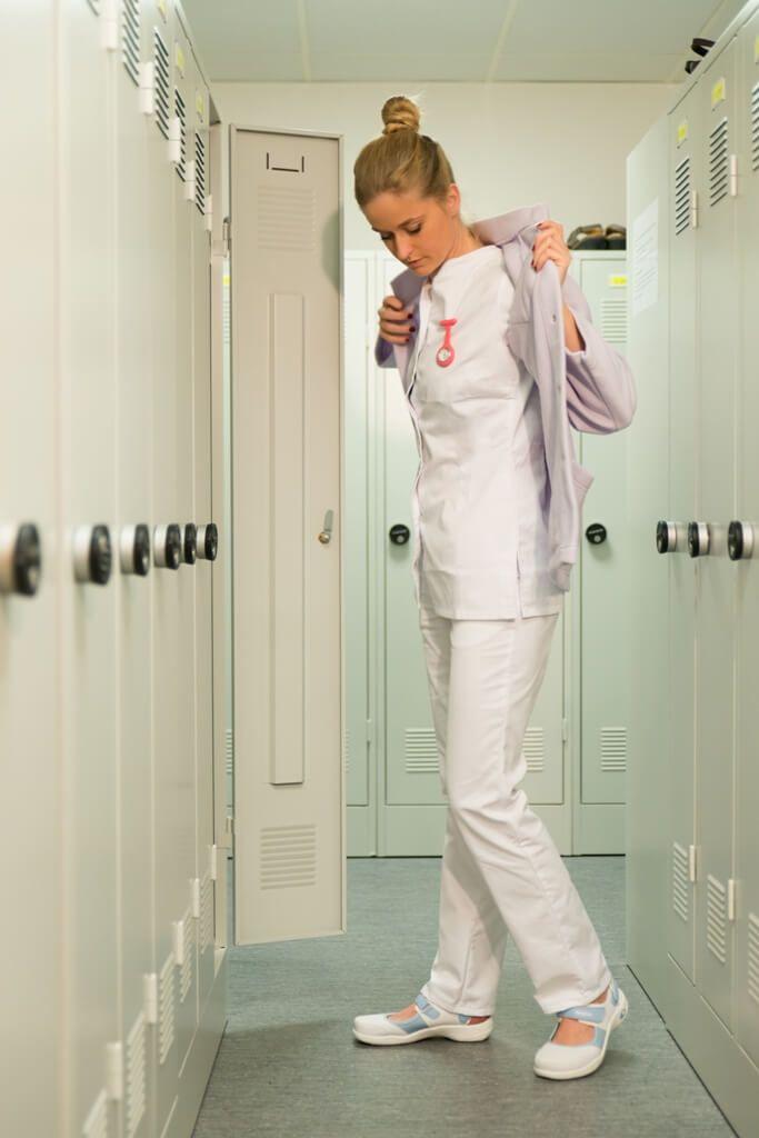 Guide d'achat montre infirmiere    Porter une montre c'est pouvoir mesurer le temps. Ce temps qui est d'une très grande importance puisqu'il définit la vie de tout un chacun. Ainsi, être à l'heure c'est être responsable. Être à l'heure c'est être aux portes des opportunités