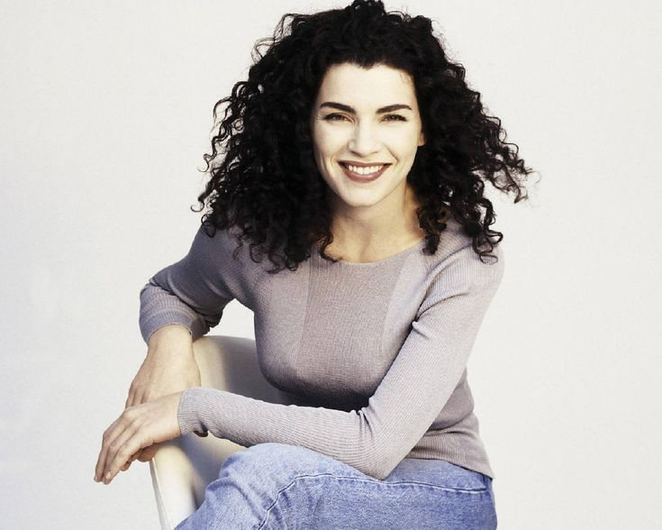 julianna-margulies-curly