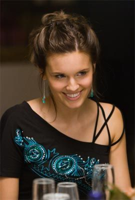 Maggie Grace-- love this shirt!