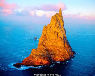 Balls Pyramid Australia ~ PicBitz Read More http://ow.ly/NBpTw #Travel #Australia