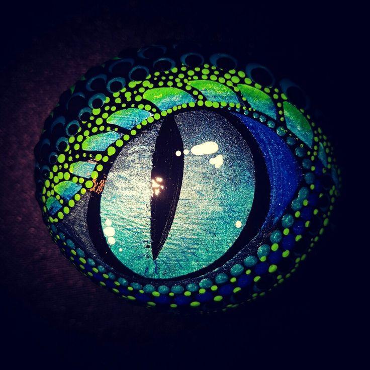 Painted rocks.  Painted stone. Dragon. Dragon eye.