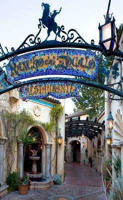 http://themeparks.about.com/od/disneyland/ss/Disneyland-Best-Quick-Service-Restaurants_6.htm