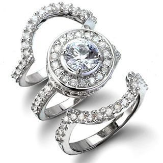 Love this! Engagement Rings / Wedding Ring Sets