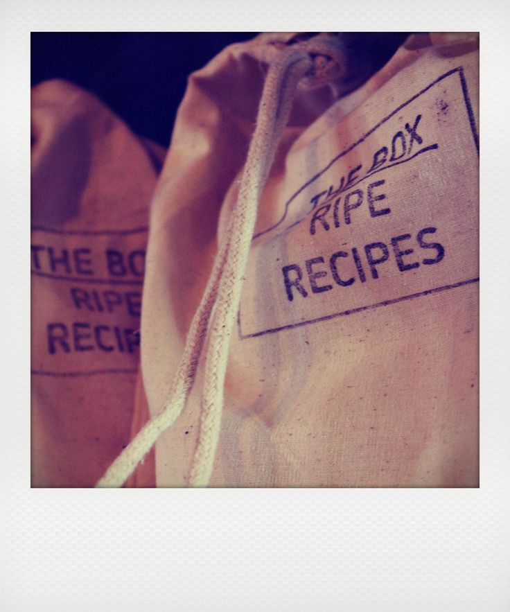 THE BOX - Ripe Recipes  comes flat packed in its own handy bag - easy to post anywhere in the world - just contact us at www.ripedeli.co.nz