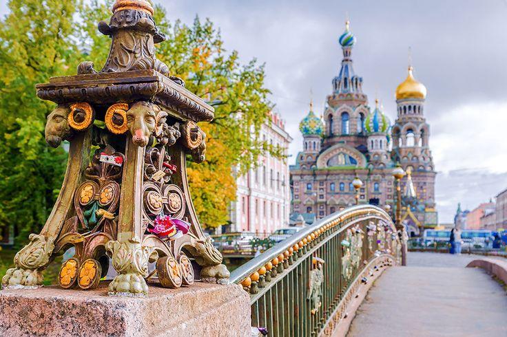 Viagem para Rússia: São Petersburgo, Sóchi e Cazã - cidades com o moderno e o tradicional de Rússia. Um contraste entre história e um futuro promissor.