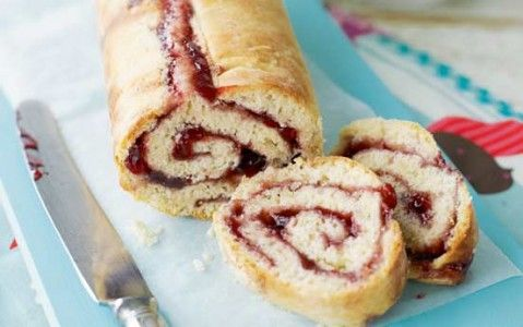 Jam roly-poly with custard recipe - goodtoknow