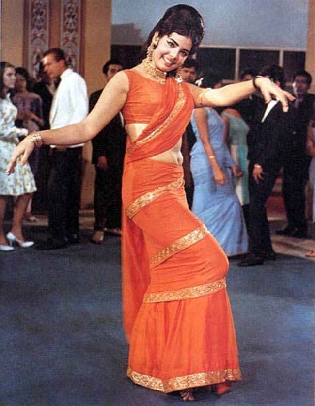 Mumtaz style of wearing sari