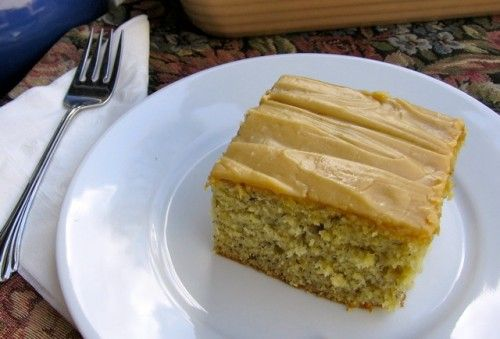 Yummilicious Low Fat Banana Cake with Peanut Butter Frosting. A match made in heaven. 171 calories + 5 Weight Watchers Points Plus. http://simple-nourished-living.com/2012/02/healthy-low-fat-banana-cake-with-peanut-butter-frosting/