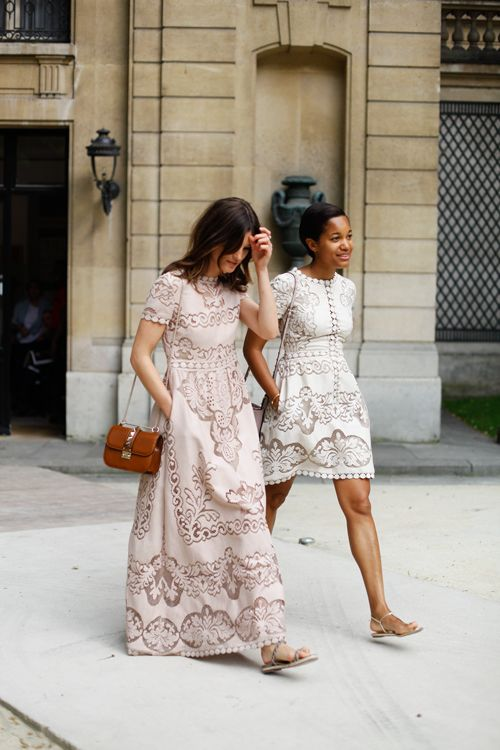 Pretty lacy dresses (that I have pinned before) in action.