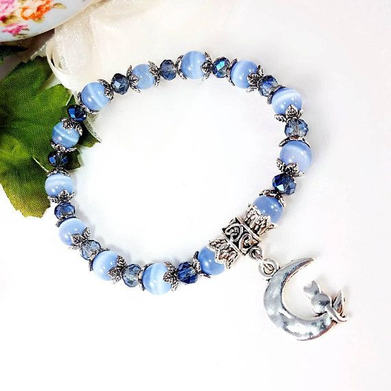 Ultra Cute Blue Cat S Eye Beaded Stretch Bracelet Silver On Moon Charm Kitty Sitting A Crescent Gl Pinteres
