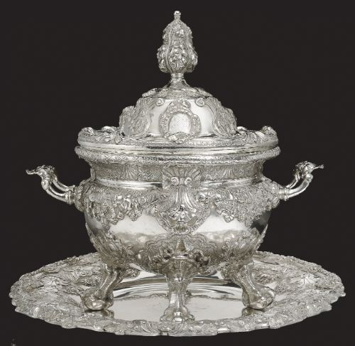 An important silver tureen, cover and stand from the Petrovskii Service, Johan Friedrich Köpping, St Petersburg, ordered by Empress Elizabeth Petrovna, circa 1750-1760 | $400,000