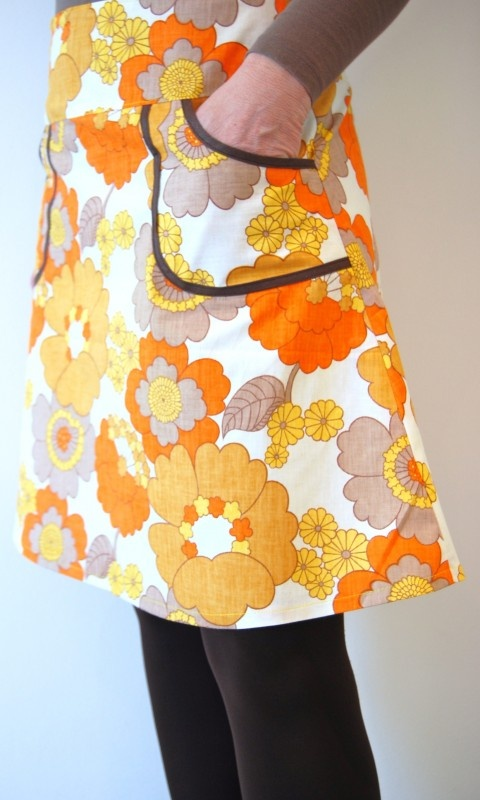 Retro skirt.... just love this fabric.
