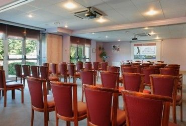 Inter-Hôtel Du Golf De L'Ailette : Hôtel 3 étoiles proposant de nombreuses activités pour votre team-building d'entreprise. http://www.aleou.fr/salle-seminaire/2385-inter-hotel-du-golf-de-lailette.html