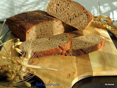 Moje Małe Czarowanie: Chleb pszenno - żytni na zakwasie długodojrzewając...
