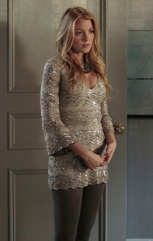 "'Gossip Girl,' Season 5, Episode 11: ""The End of The Affair?""SERENA VAN DER WOODSEN (BLAKE LIVELY)+ Dress: Lorena Sarbu+ Necklaces: Sequin+ Tights: Falka 