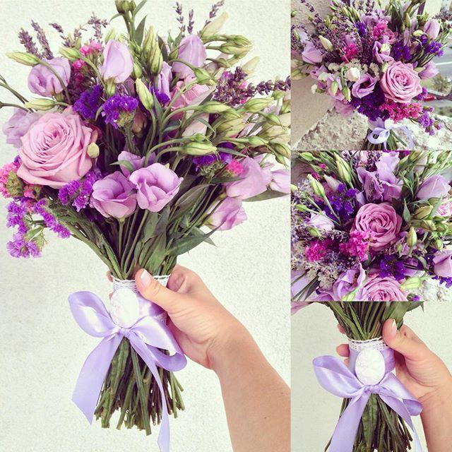 Такой яркий и необычный букетик для невесты Даши мы делали я например в него влюблена, так как он очень похож на мой свадебный, а у меня автоматическая слабость ко всему фиолетовомуА от @evgenybazaleev ждем проф. фото #weddingart #wedding #bouquet #weddingbouquet #flowers #purple #lavender #roses #purplebouquet #bridalbouquet #цветы #фиолетовый #лаванда #букетневесты #букет #многохештегов #ялюблюсвоюрабботу #свадьба #среда