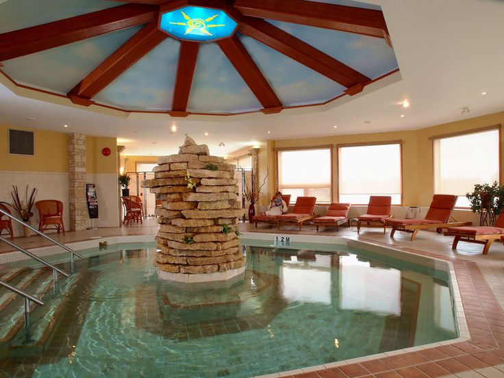 Equinox Mineral Pool at Elkhorn Resort and Spa in Manitoba. Click through for a one day itinerary of relaxation and sport in Manitoba. #exploremb