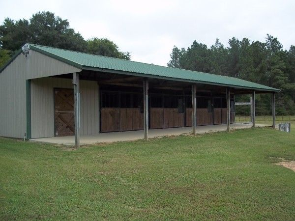 Small horse barn designs barn ideas pinterest for Small horse barn plans