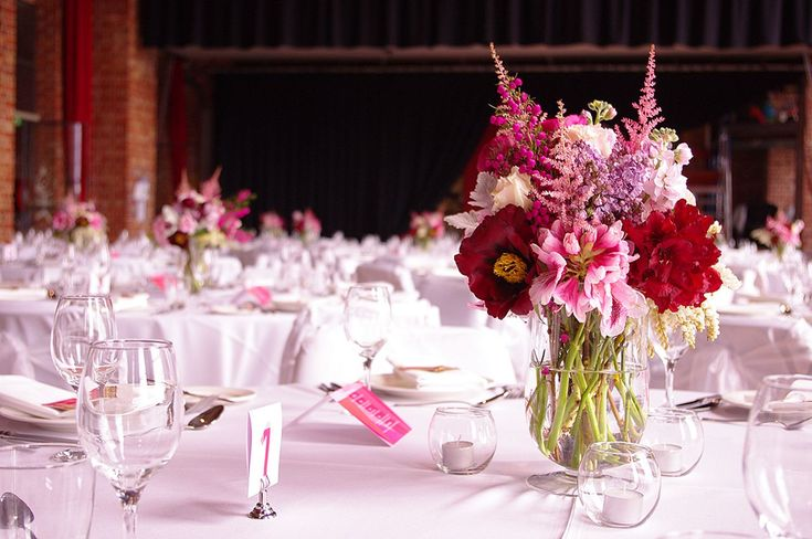 Adorable Red And Pink Flowers Centerpieces Idea For Wedding in February (30+ Beautiful Pictures)  https://oosile.com/red-and-pink-flowers-centerpieces-idea-for-wedding-in-february-30-beautiful-pictures-17789