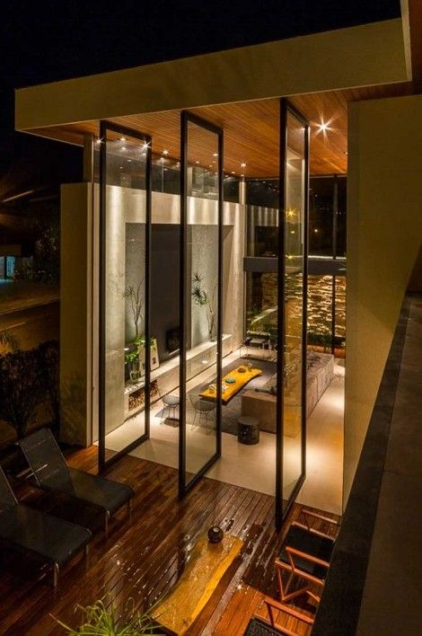 House in Londrina, Brazil by Spagnuolo Arquitetura