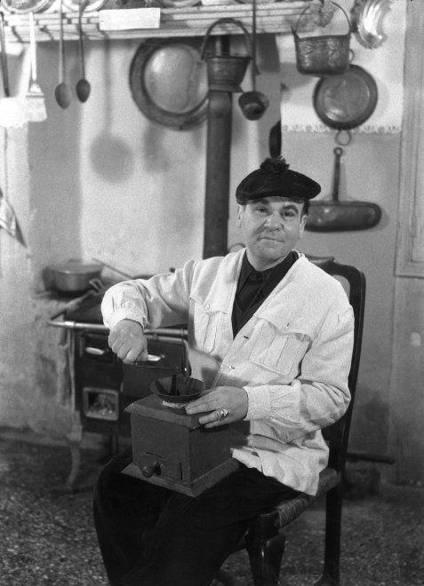 Il pittore Filippo De Pisis in una foto del 1946