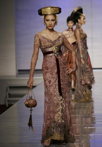 WEDDING PLAN: Kebaya For Wedding by Anne Avantie