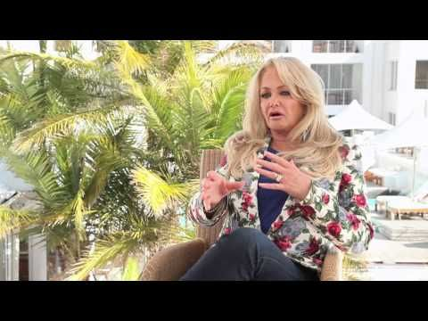▶ Bonnie Tyler : here is a great video which was taken in South Africa ! #BonnieTyler