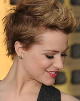pixie hairstyle - wish I could pull this off.  I love it!