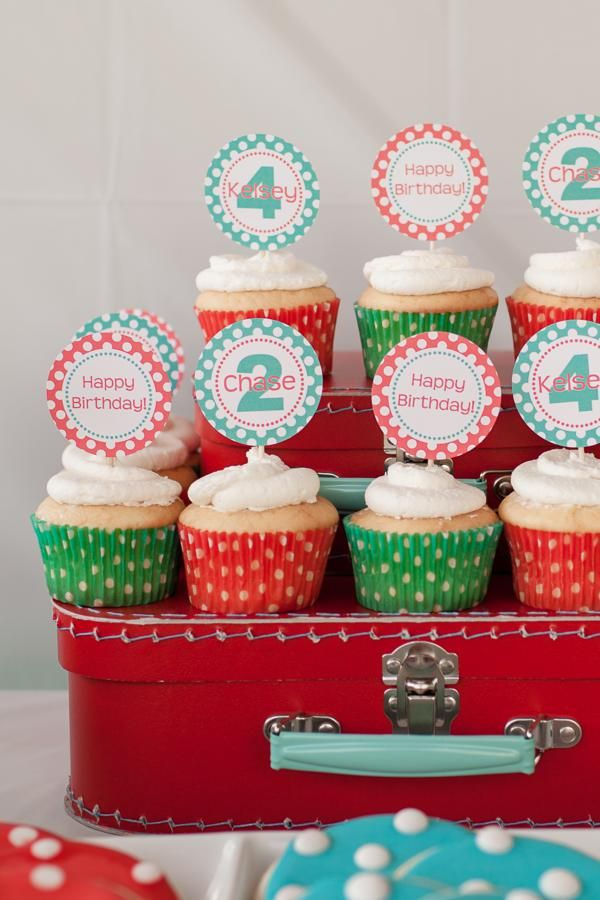 Red aqua gender neutral polka dot party planning ideas for Polka dot party ideas