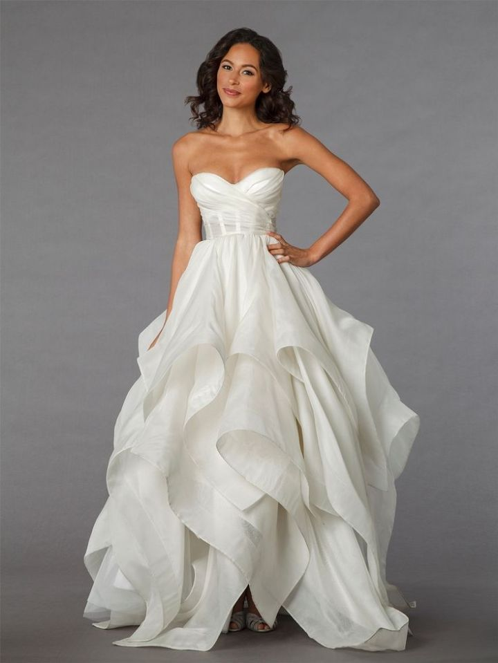 To see the complete collection: http://www.modwedding.com/2014/11/02/editors-pick-18-beautiful-wedding-dresses-week/ #wedding #weddings #wedding_dress Wedding Dress: Pnina Tornai