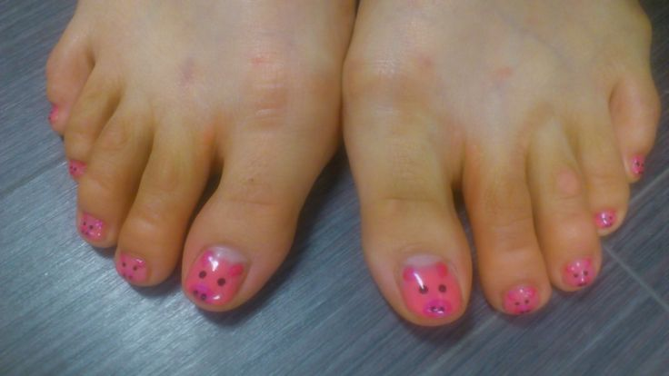 pigs on toes