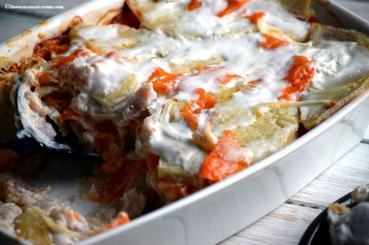 Takihi is a delicious Niuean dish with taro and pawpaw layered and bakedwith coconut cream  - NIUE