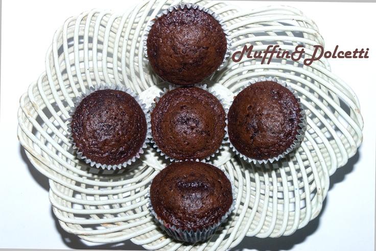 Muffin con cacao e Baileys! Per la videoricetta clicca qui: http://youtu.be/AVhp-DHU5FM    Muffin with chocolate and Baileys (Irish Cream)! For the recipe click: http://youtu.be/AVhp-DHU5FM