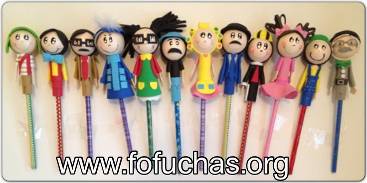 La Vecindad del Chavo Del 8 In fofulapiz (pencil Toppers) Handmade characters using foam sheets. Can make super cute birthday favors. Includes characters : El Chavo,La Chilindrina,Don Ramon,Doña Cleotilde, Doña Florinda,Kiko,Ñoño,Don Barrigas,Godinez,Jaimito,El Profesor Jirafales,Popis like us at www.facebook.com/fofuchashandmadedolls . #el chavo del ocho #crafts #fofuchas