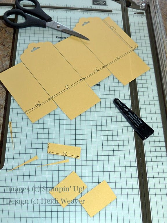 Stampin Along With Heidi: Scalloped Tag Topper punch---making the box!