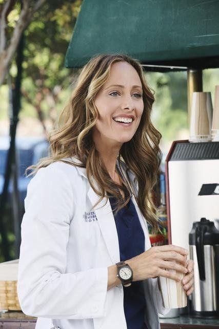 LOVE the colour, Kim Raver in Grey's Anatomy